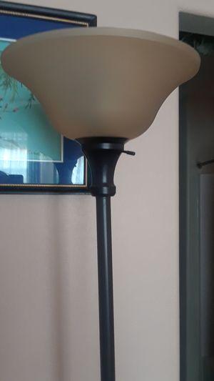 Floor lamp like new for Sale in Henderson, NV