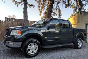 Very Nice 2OO4 Ford F-150 XLT 4WDWheels Cool for Sale in Fort Lauderdale, FL