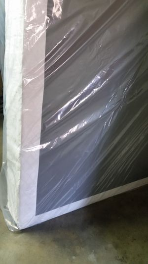 QUEEN SIZE BOX SPRING NEW for Sale in Fresno, CA