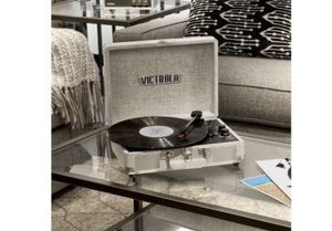 """VICTROLA PORTABLE BLUETOOTH TURNTABLE- """" NEW """"- (FIRM PRICE) SALE !!!! for Sale in Los Angeles, CA"""