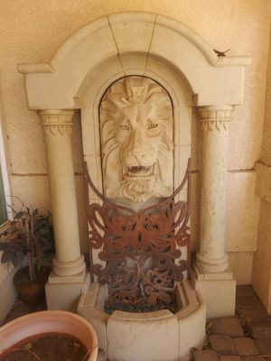 Huge Lion Water Fountain for Sale in Hesperia, CA