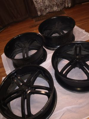 22 inch staggered wheels for Sale in Sioux City, IA