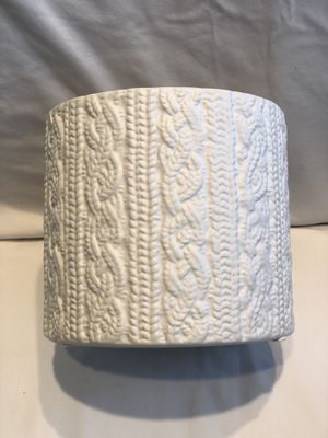 Ceramic container or vase, cable knit design for Sale in New Port Richey, FL