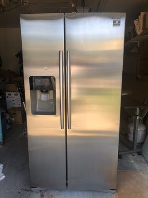 Samsung Stainless Steel 25Cu ft. Refrigerator for Sale in Galloway, OH