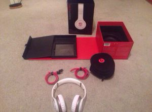 Beats Wireless headphones for Sale in Euclid, OH