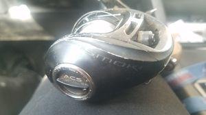 Quantum smoke left baitcaster fishing reel for Sale in Phoenix, AZ