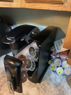 Keurig with holders for Sale in Crest Hill, IL
