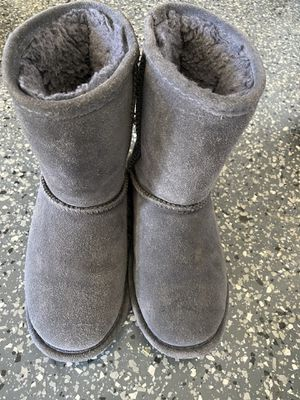 Big Girls Bearpaw boots-Size 2 for Sale in Laguna Hills, CA