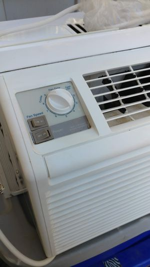 LG BTU 5,000 AIR CONDITIONER for Sale in Lancaster, CA