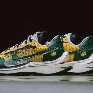 Nike Sacai Vaporwaffle Tour Yellow sz 7 , 7.5 , 8.5 , 10 DS for Sale in Wallingford, CT