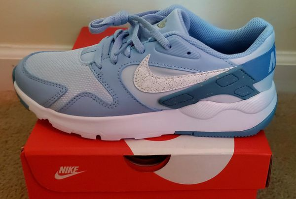 Nike LD Victory Sneakers