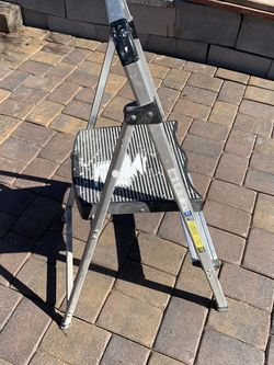 2 Feet Foldable Ladder for Sale in Las Vegas,  NV