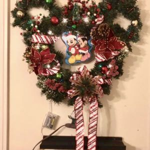 Christmas Wreath Mickey Mouse for Sale in Fontana, CA