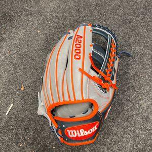 Wilson A2000 11.75 Baseball Glove for Sale in Tacoma, WA