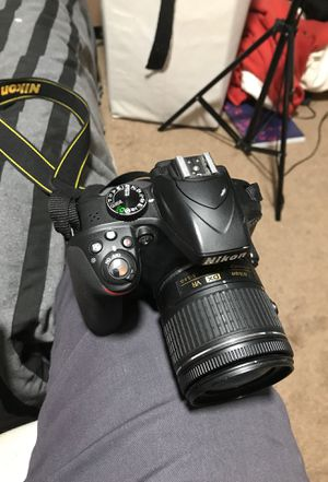 Nikon d3300 plus extras for Sale in Los Angeles, CA