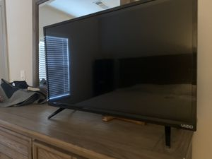 Visio 32 inch smart TV brand new for Sale in Kennesaw, GA