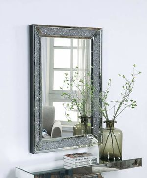 Mirrored Frame Rectangular Wall Mirror w/Faux Diamonds for Sale in Montclair, CA