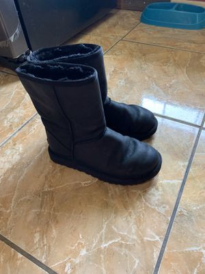 Ugg women's size 7 boots black for Sale in Pasadena, TX