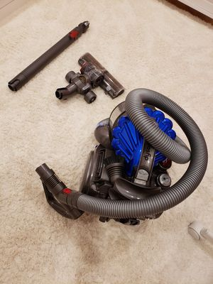 Vacuum Dyson cleaner for Sale in Bloomingdale, IL
