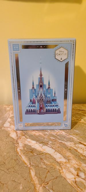 Disney Exclusive Frozen Castle Light Up Figurine for Sale in Los Angeles, CA
