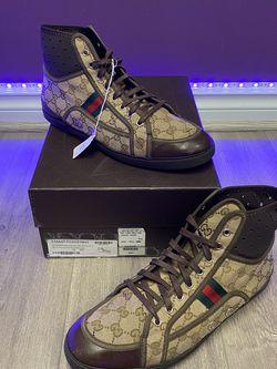 """Gucci California Striped """"Beige Ebony"""" for Sale in Tigard,  OR"""