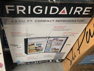 Mini fridge for Sale in Stockbridge, GA