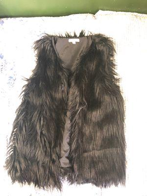 Francesa, Black Furry Vest (L) for Sale in Germantown, MD