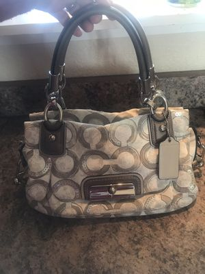 Beautiful beige Coach purse for Sale in Colorado Springs, CO