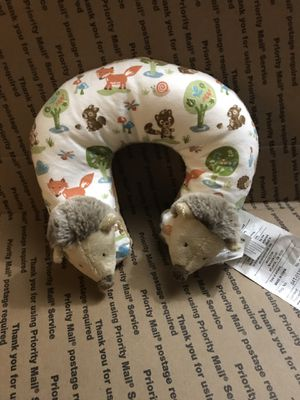 Neck pillow for Sale in Smyrna, TN
