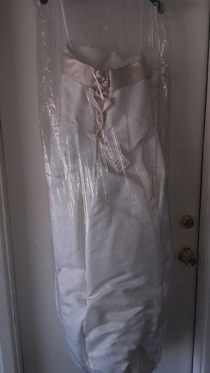 Da Vinci designer Wedding Gown size 16 for Sale in Las Vegas, NV