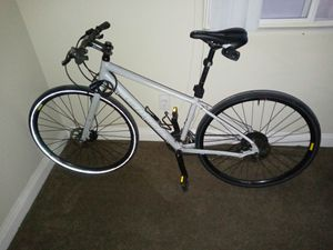 Specialized bike. Shimano gears. for Sale in Vernon, CA