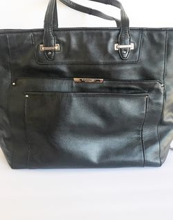 Large Black Tote Purse With Zipper for Sale in Whittier,  CA