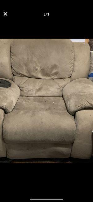 recliner couch for Sale in Hemet, CA