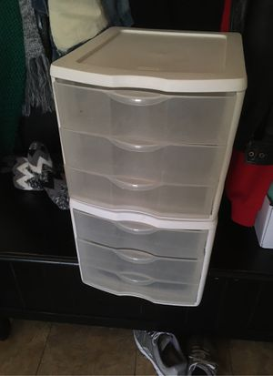 2 plastic drawer units for Sale in Laguna Beach, CA