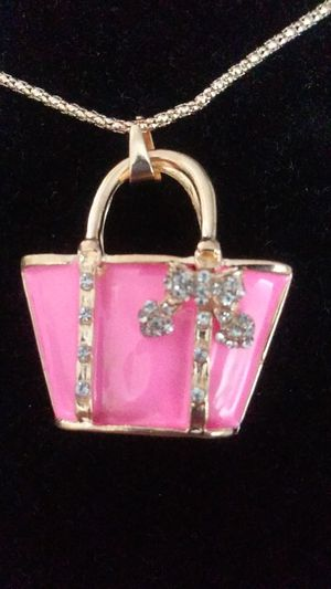 Necklace, purse, 20$ for Sale in Jurupa Valley, CA