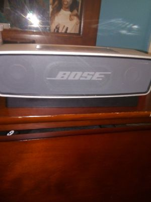 Bose Bluetooth speaker for Sale in Fort Washington, MD