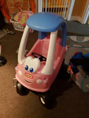 Little tikes car for Sale in Tacoma, WA