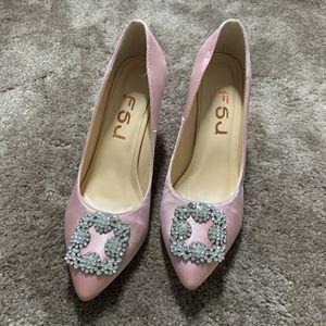 Women's Diamonds Pointy Toe Slip On Stilettos for Sale in Arcadia, CA
