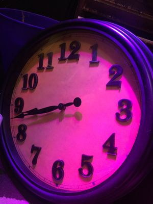 Huge wall clock battery power for Sale in Paragould, AR