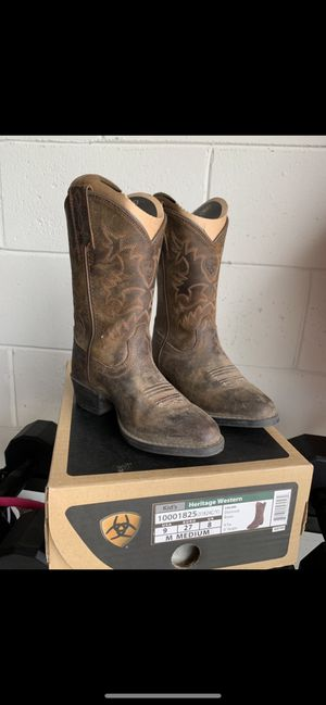 Girl cowgirl boots size 9 for Sale in Zephyrhills, FL