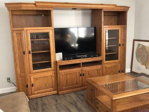 TV hutch/stand for Sale in Upland, CA