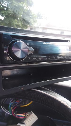 PIONEER DEH S5010BT CAR STEREO for Sale in Portland, OR
