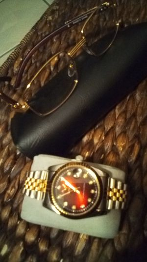 Combo bosses kit 2 pc Woody style glasses and two tone time for Sale in West Palm Beach, FL