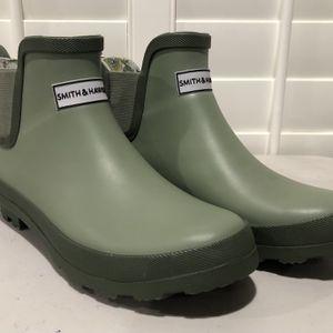 BRAND NEW Women's Smith & Hawken Short Rain/Garden Boots (Women's Size 8) - $25 for Sale in Pomona, CA