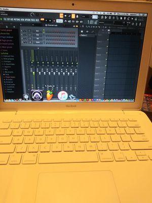 Starter Studio Ready MacBook 13' for Sale in Pine Lake, GA