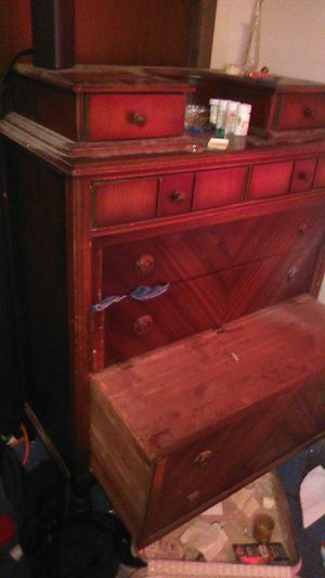Dresser for Sale in Peoria Heights, IL