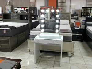Vanity with light bulbs mirror for Sale in Pomona, CA