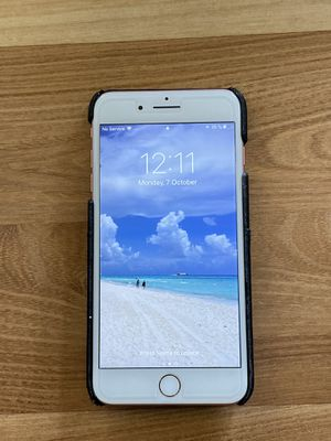 iPhone 7 Plus 128 gb unlocked with Gucci case for Sale in OCEAN BRZ PK, FL