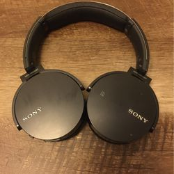 Sony Bluetooth headphones for Sale in Chicago,  IL