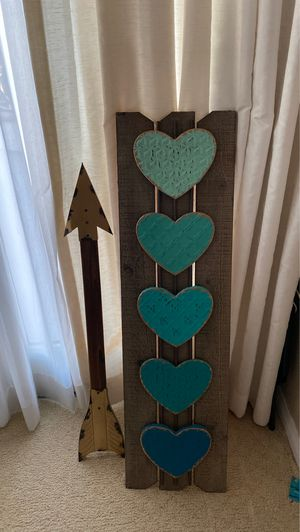 Cute room decor. Arrow and hearts for Sale in Irvine, CA